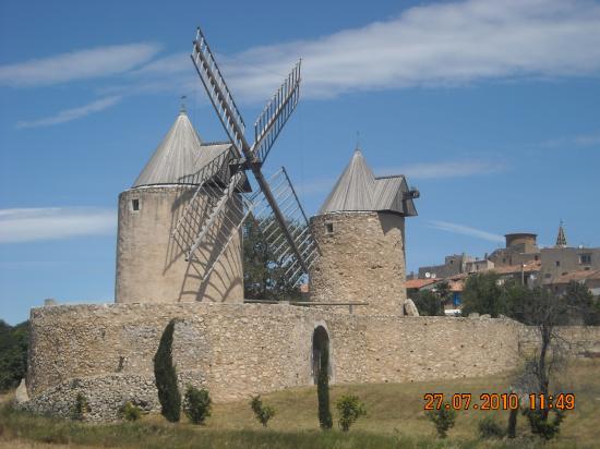 Les deux moulins de Régusse