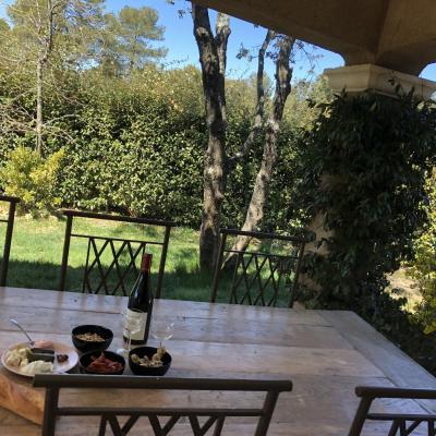Vues intérieur & extérieur de la villa