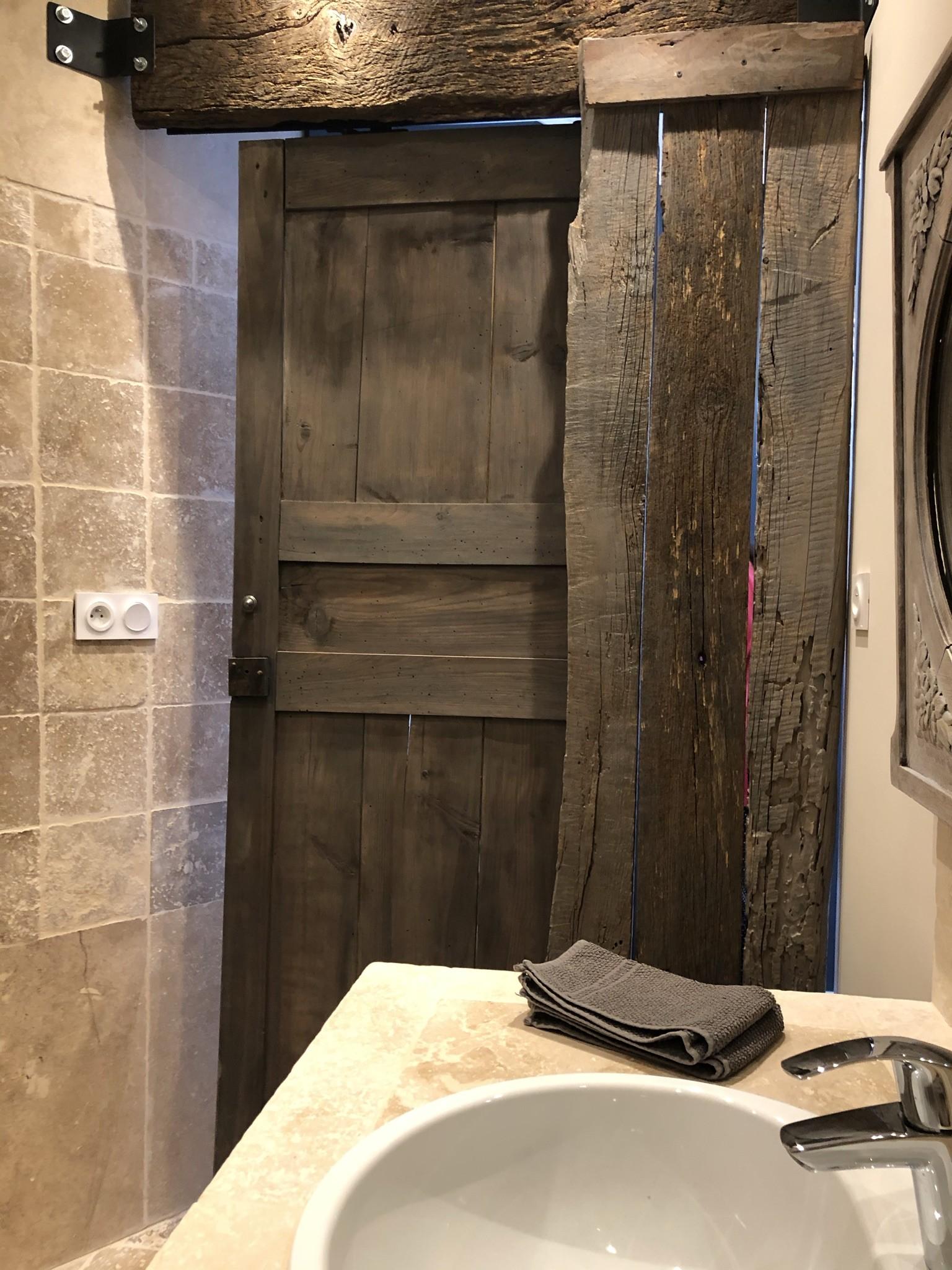 Salle de douche suite des Oliviers