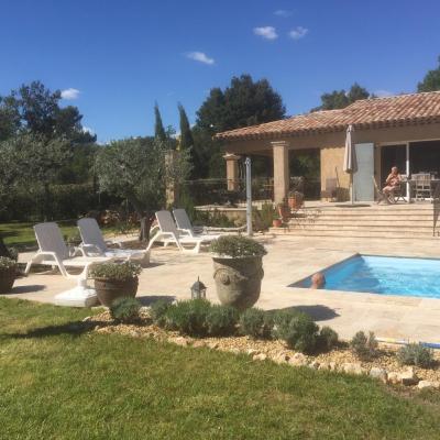 Villa Le Clos de la Sarriette à Régusse